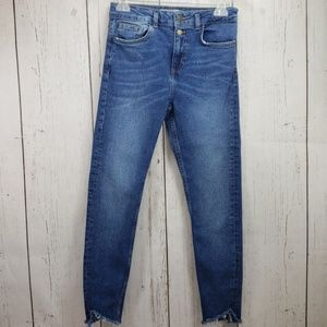 Zara Skinny High Waisted Frayed Hem Jeans Size 4
